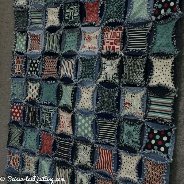 Photo of Circle Denim Rag Quilt