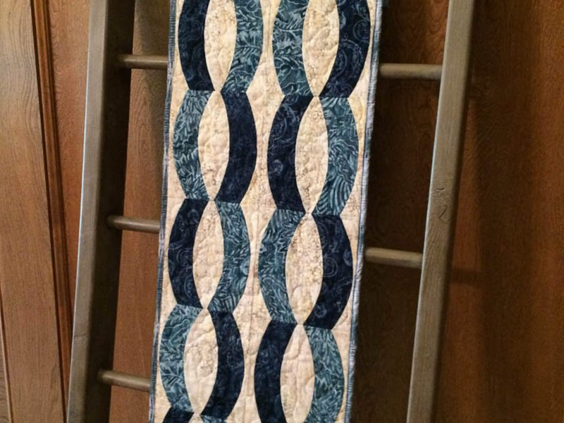 Photo of Table runner made with Quick Curve Ruler