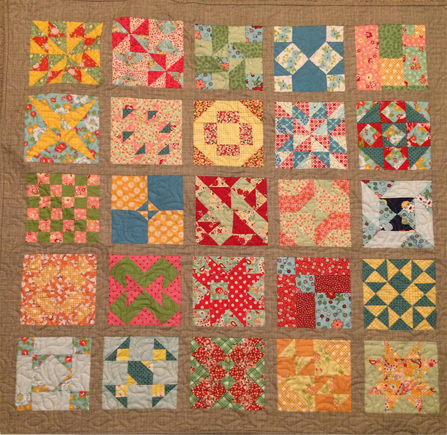 photo of Front view of my 30s Farmers Wife Sampler Baby Quilt